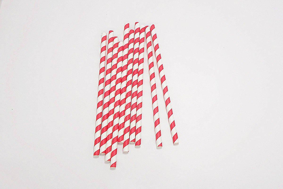 Giant Milkshake Red Stripe Paper Straws Unwrapped 3
