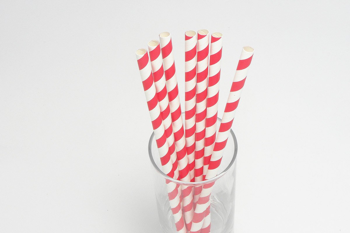 Giant Milkshake Red Stripe Paper Straws Unwrapped 4